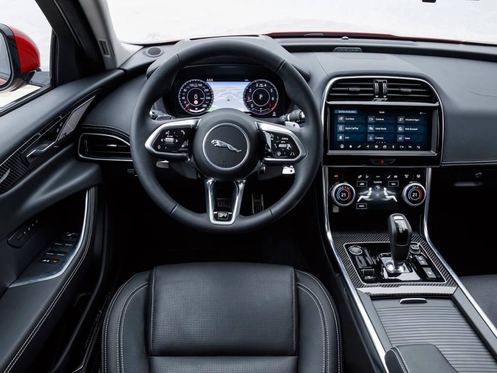 interior Jaguar XE 2019