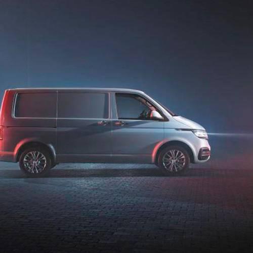 El Volkswagen Transporter se renueva y añade una opción eléctrica