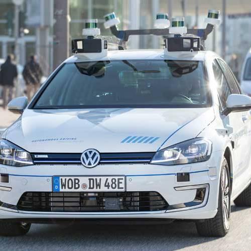 Volkswagen ya prueba su coche autónomo en la calle