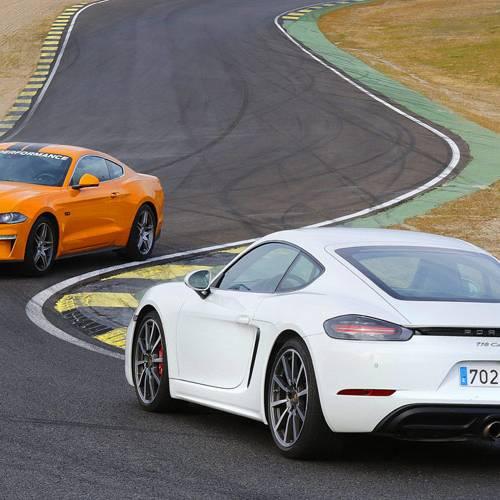 Comparativa de rebeldes: Ford Mustang Fastback GT vs Porsche 718 Cayman PDK