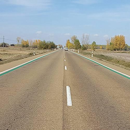 Líneas verdes en la carretera, la última polémica para reducir accidentes