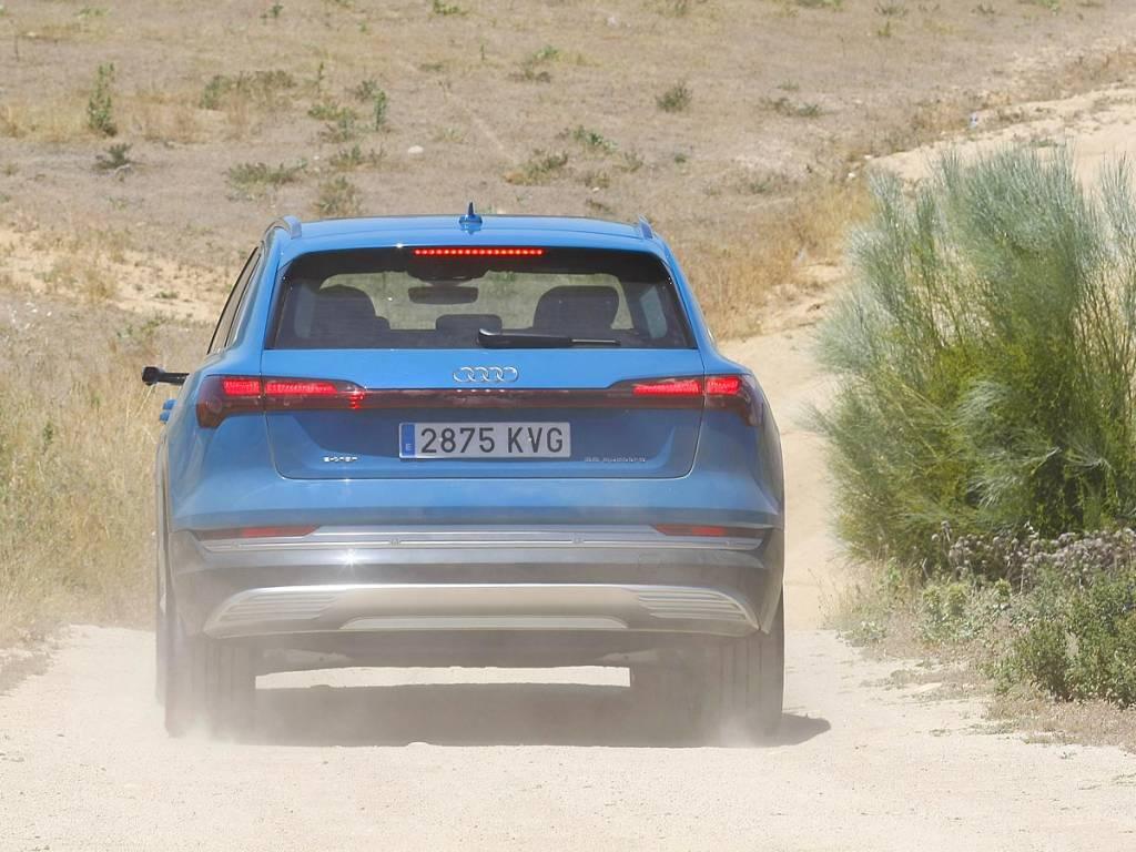Audi e-tron off road