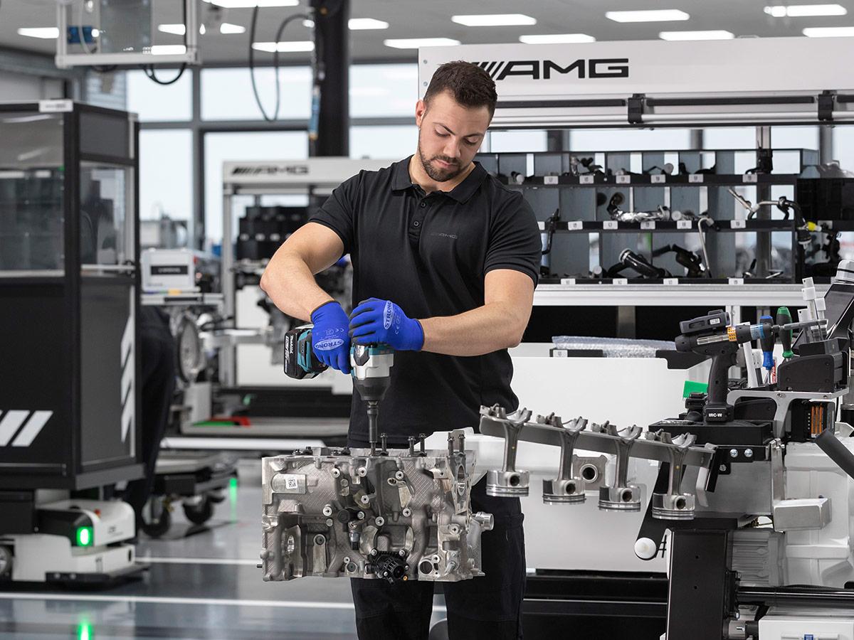Mercedes-AMG M139