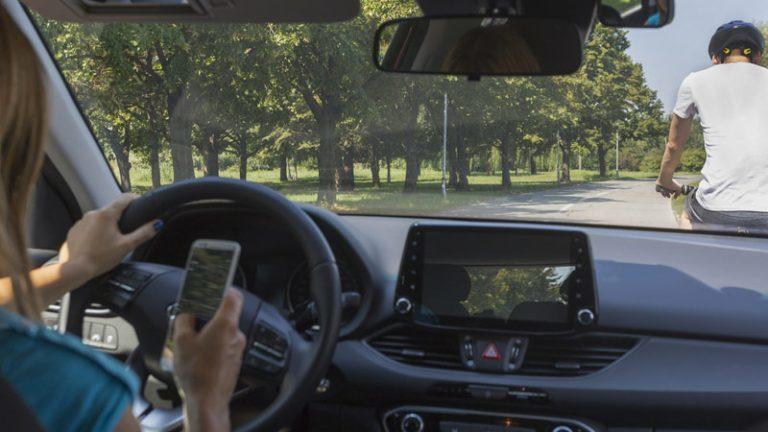 Víctimas mortales conducción teléfono móvil