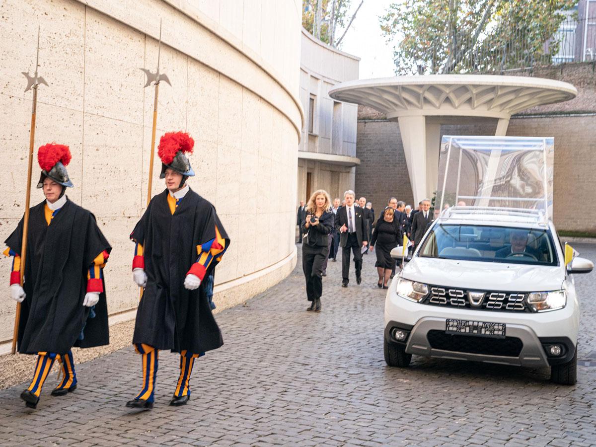 Regalo Dacia Duster Papamóvil
