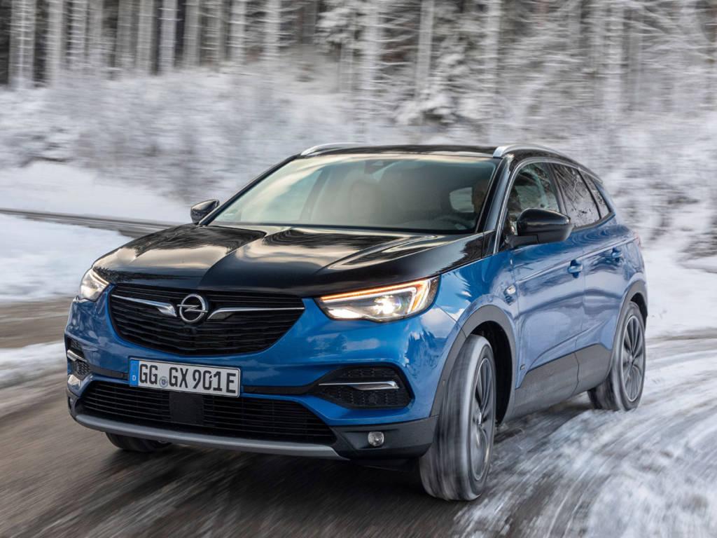 Opel Grandland X Hybrid 4 2020