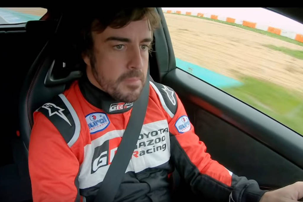 fernando alonso yaris vídeo