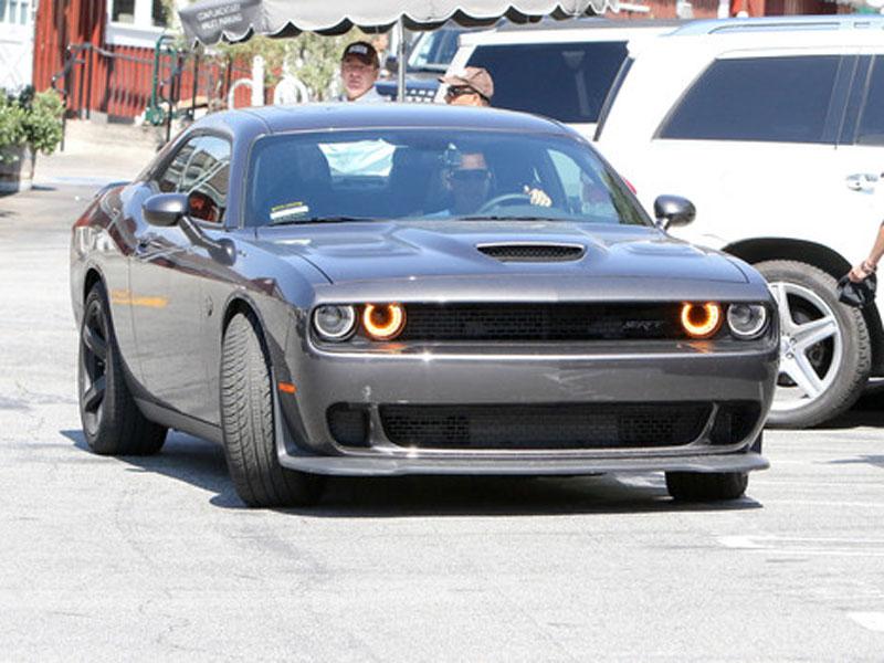 Adam-Sandler - Dodge-Challenger