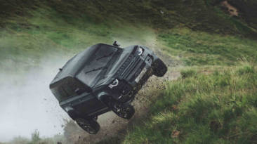 Land Rover Defender James Bond