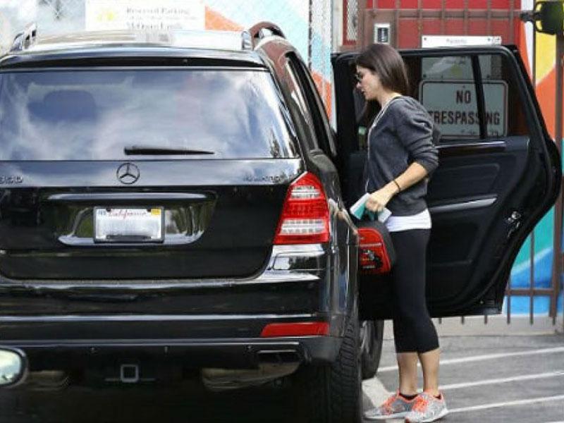 Sandra Bullock - Mercedes-Benz GLS