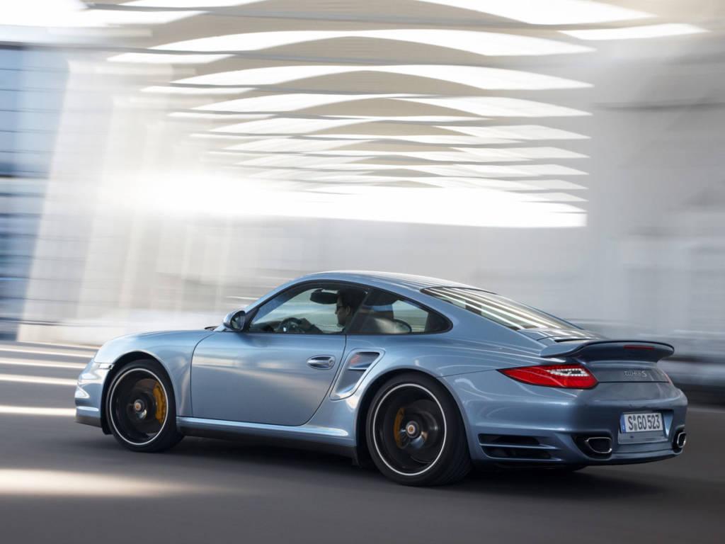 Porsche-911-Turbo-S