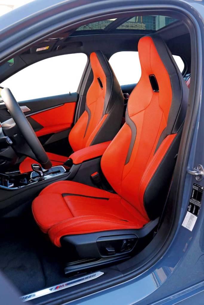 BMW 118i asientos