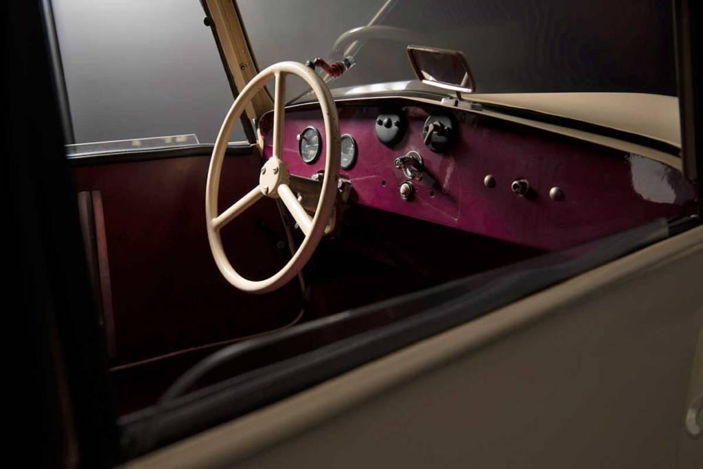 Peugeot VLV interior