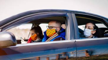 Mascarillas en el coche