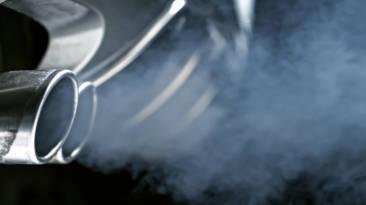 Color humo tubo de escape