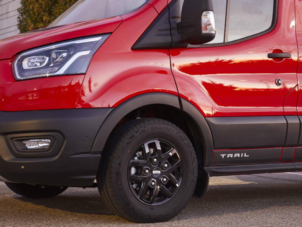 Ford Transit Trail 2020