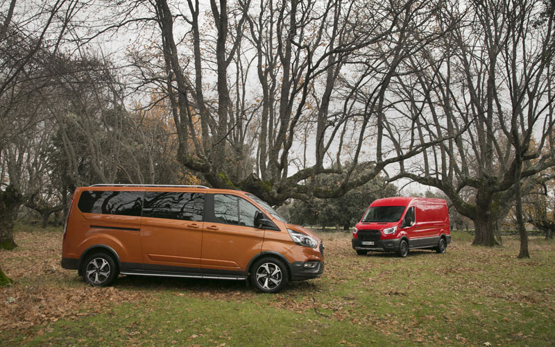 Ford Transit Trail y Ford Tourneo Active 2020