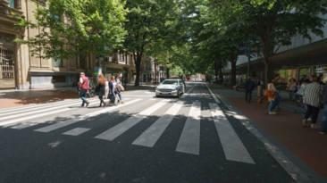 Entre las normativas que la DGT estudia está la sustitución de semáforos por pasos de peatones.