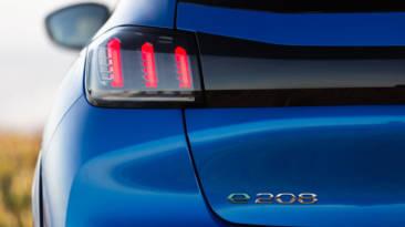 Peugeot e-208 GT 2021