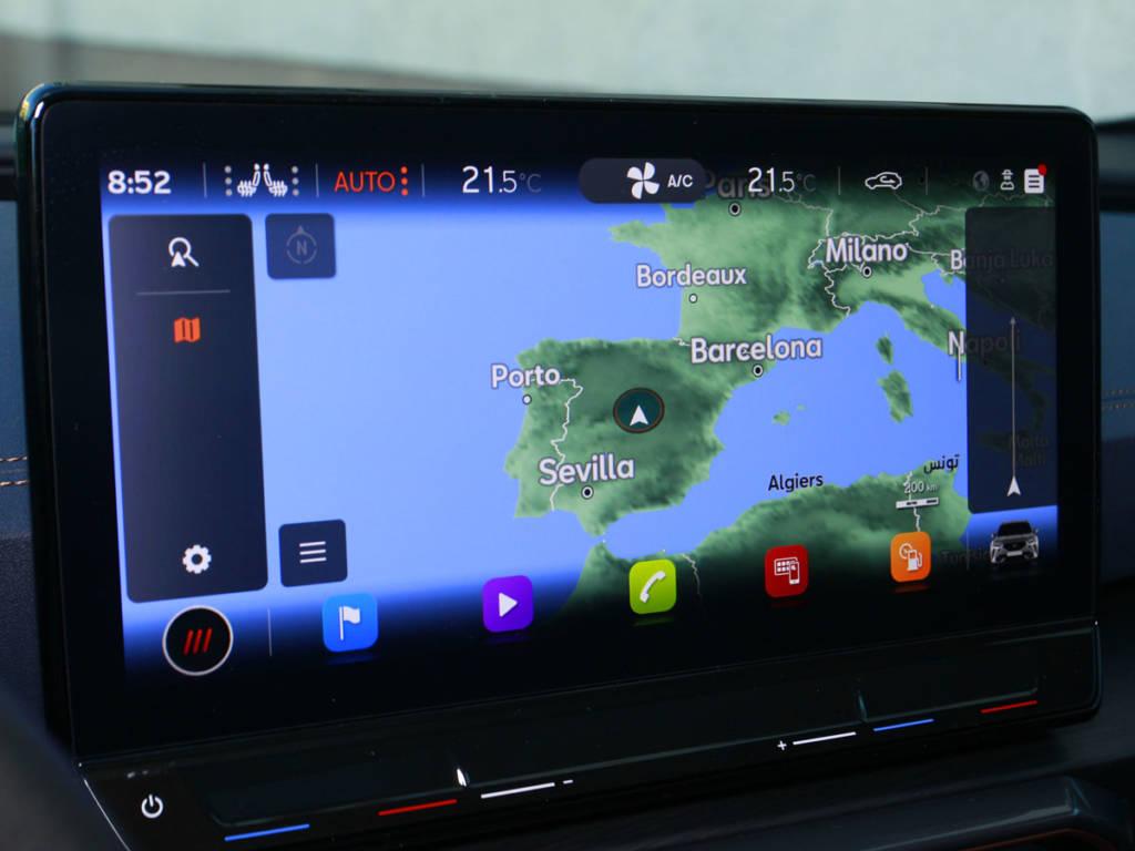 La pantalla táctil central puede llegar a las 12 pulgadas.