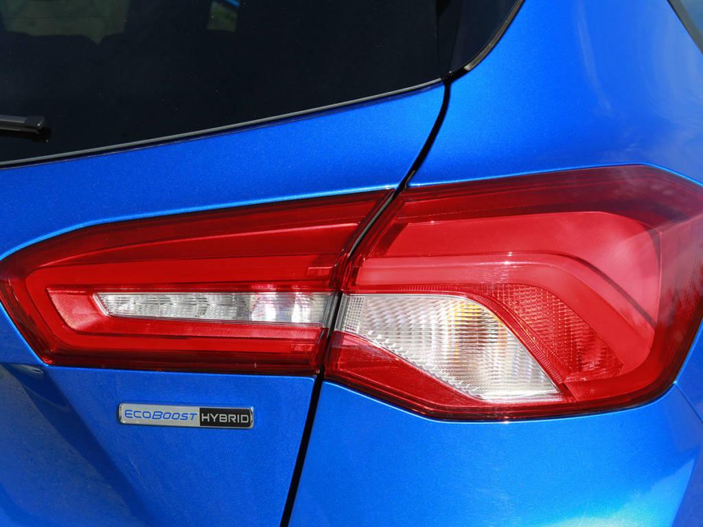 Detalle de las ópticas traseras del Ford Focus MHEV