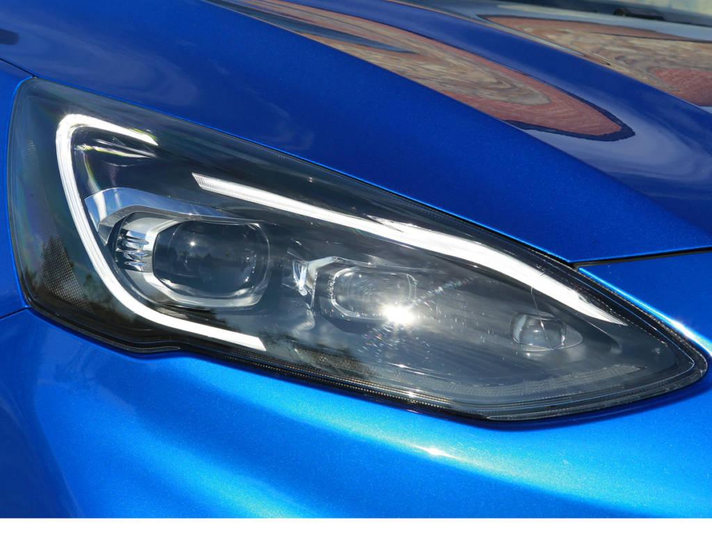 Los faros led de Ford Focus MHEV tienen un precio extra de 750 euros.