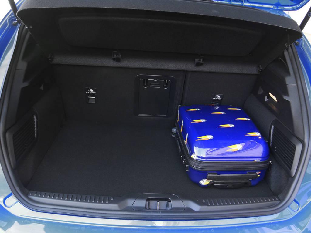 El maletero del Ford Focus MHEV acredita 504 litros.