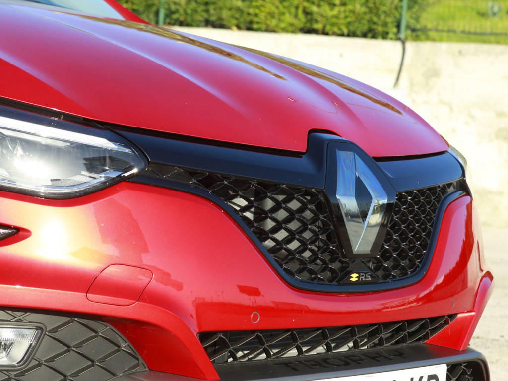 Detalle del frontal del Renault Mégane R.S.