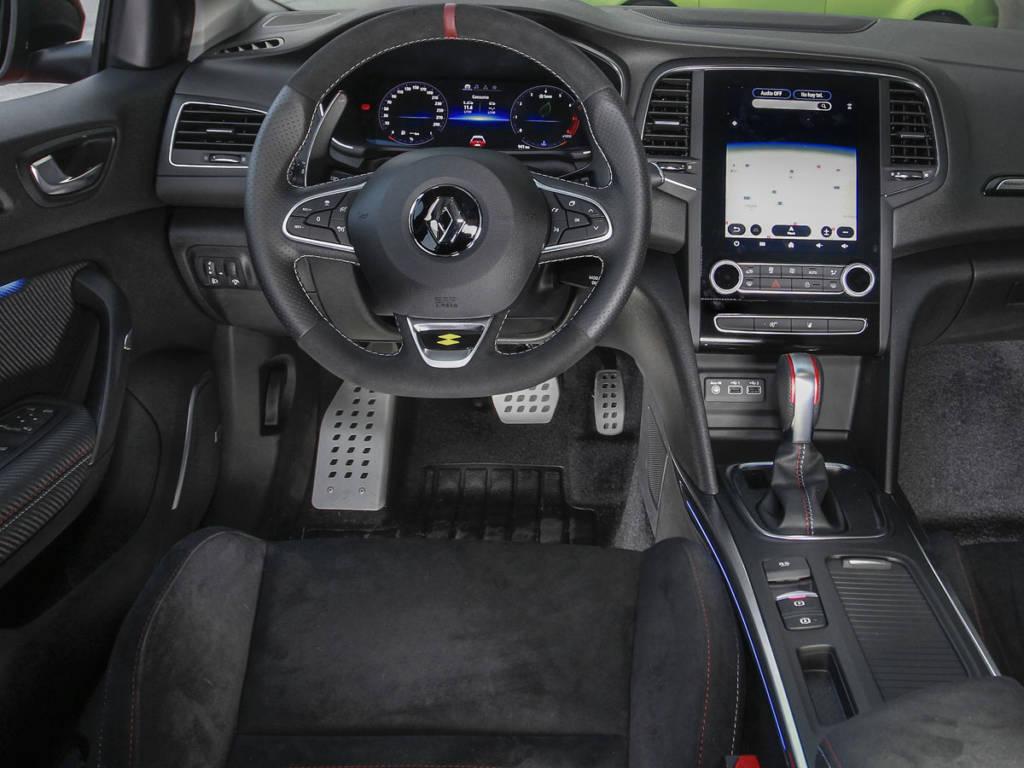 Puesto de conducción del Renault Mégane R.S.