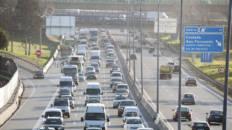 Zigzaguear entre coches y otras maniobras peligrosas al circular