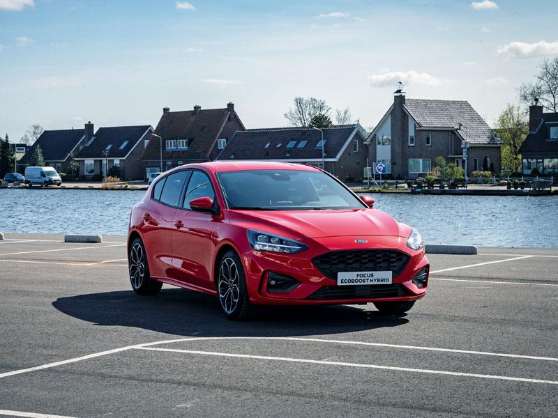 El Ford Focus logra la etiqueta ECO mediante la hibridación ligera de sus motores