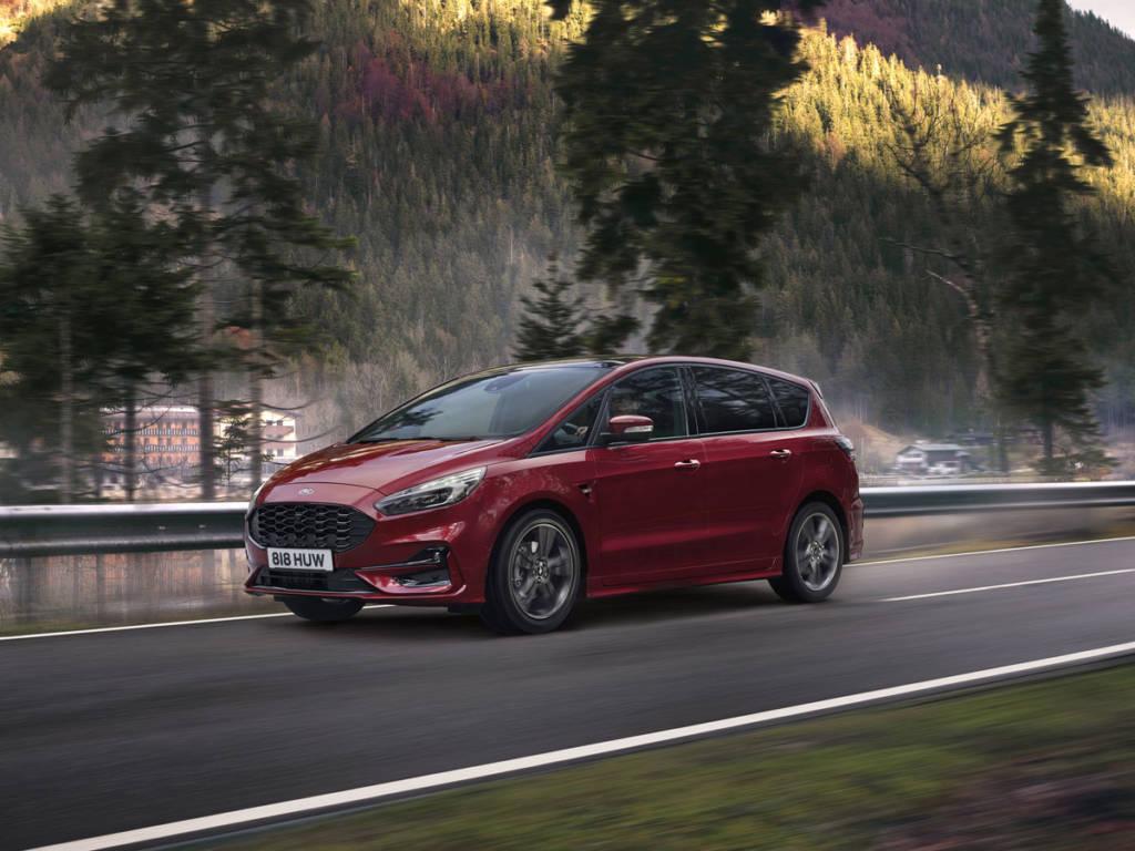 El Ford S-Max Hybrid Trend 2.0 Duratec 190 CV llega con un precio de 40.837 euros
