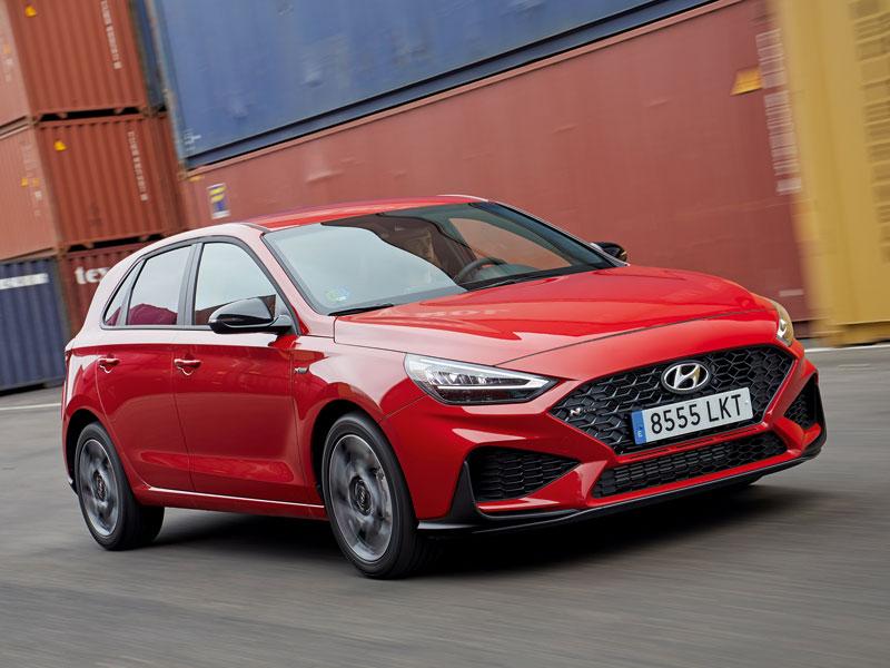 El Hyundai i30 une la hibridación ligera a motores gasolina y diésel