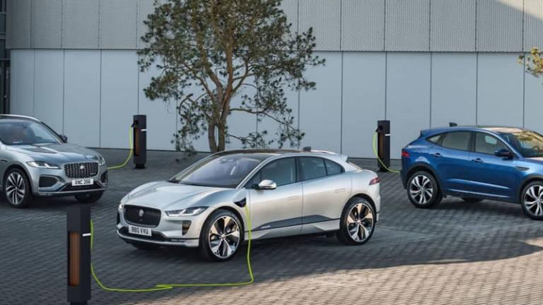 Jaguar abandonará los motores térmicos nuevos en 2025 mientras Land Rover investiga la pila de combustible
