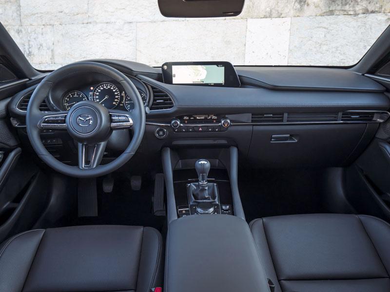 Disponible para las variantes de 5 puertas y sedán, puede ser tuyo por 24.165 euros