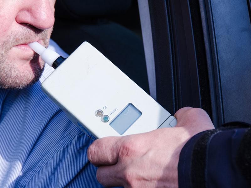 Multa por por dar positivo en los test de alcoholemia y drogas