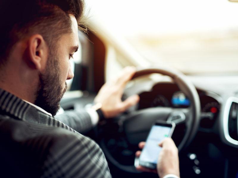 Uso del teléfono móvil y dispositivos digitales