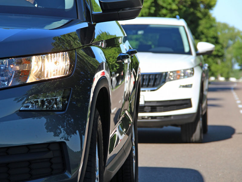Hay dejar una distancia con el vehículo que te preceda que te permita frenar en condiciones de seguridad