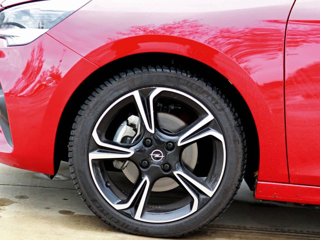 El Opel Corsa queda cerca de lograr la mejor nota, que se queda en posesión del Peugeot 208