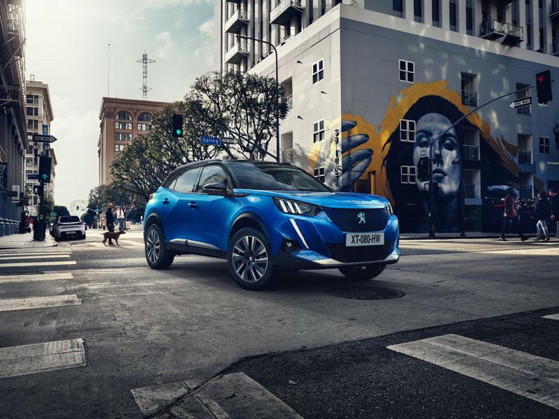 El SUV que puso de moda los SUV urbanos estrena generación con variante eléctrica