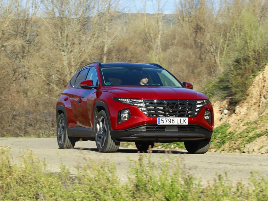 El Hyundai Tucson híbrido 2021 se puede encontrar con tracción delantera o total, como en nuestro caso