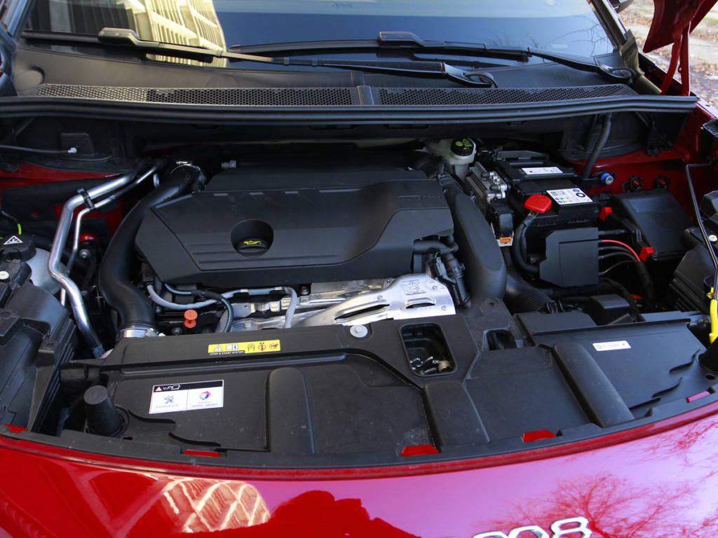 Gasolina, diésel e híbrido enchufable, las tres opciones en las que se puede encontrar el Peugeot 3008