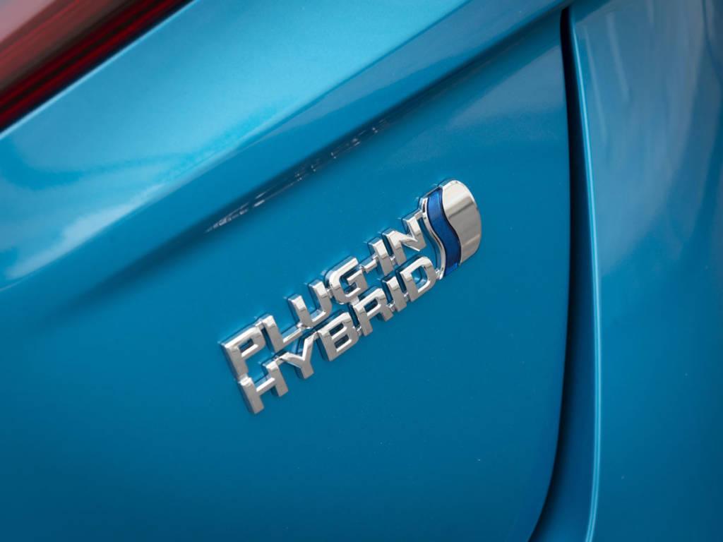 Con el Toyota prius plug-in 2021 los híbridos enchufables vuelven a la oferta de la firma nipona
