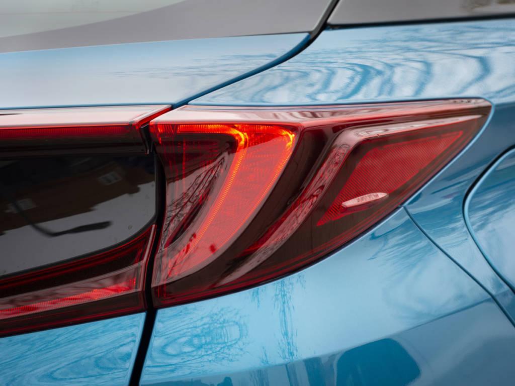 El Toyota prius plug-in 2021 llega con un equipamiento muy completo