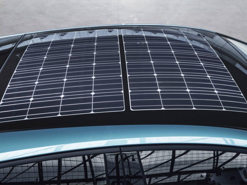 El Toyota prius plug-in 2021 trae como principal novedad la opción de equiparlo con techo solar