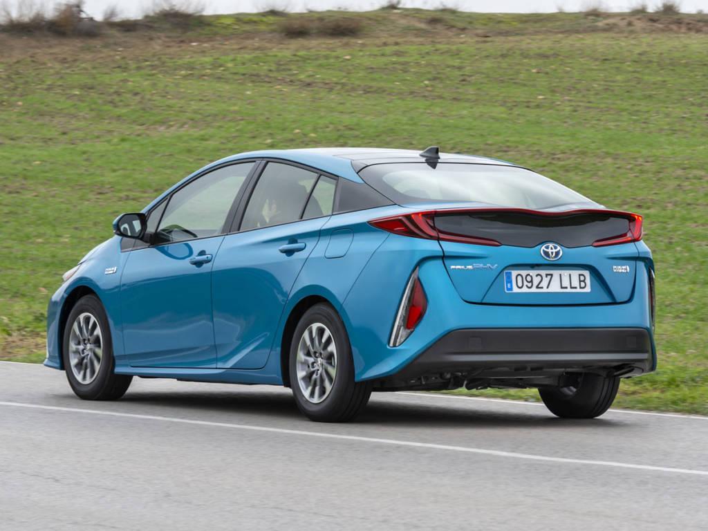 El Toyota Prius plug-in 2021 tiene una autonomía en modo eléctrico de 45 km