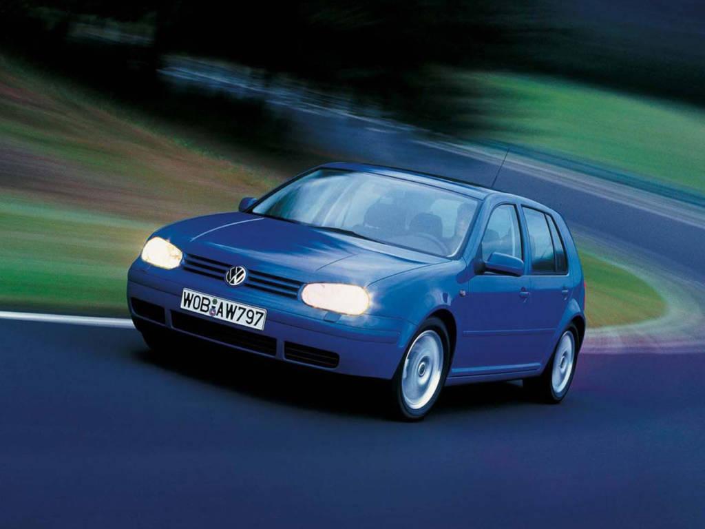 Es habitual encontrar coches veteranos y de gran éxito comercial para la venta posterior de sus piezas.