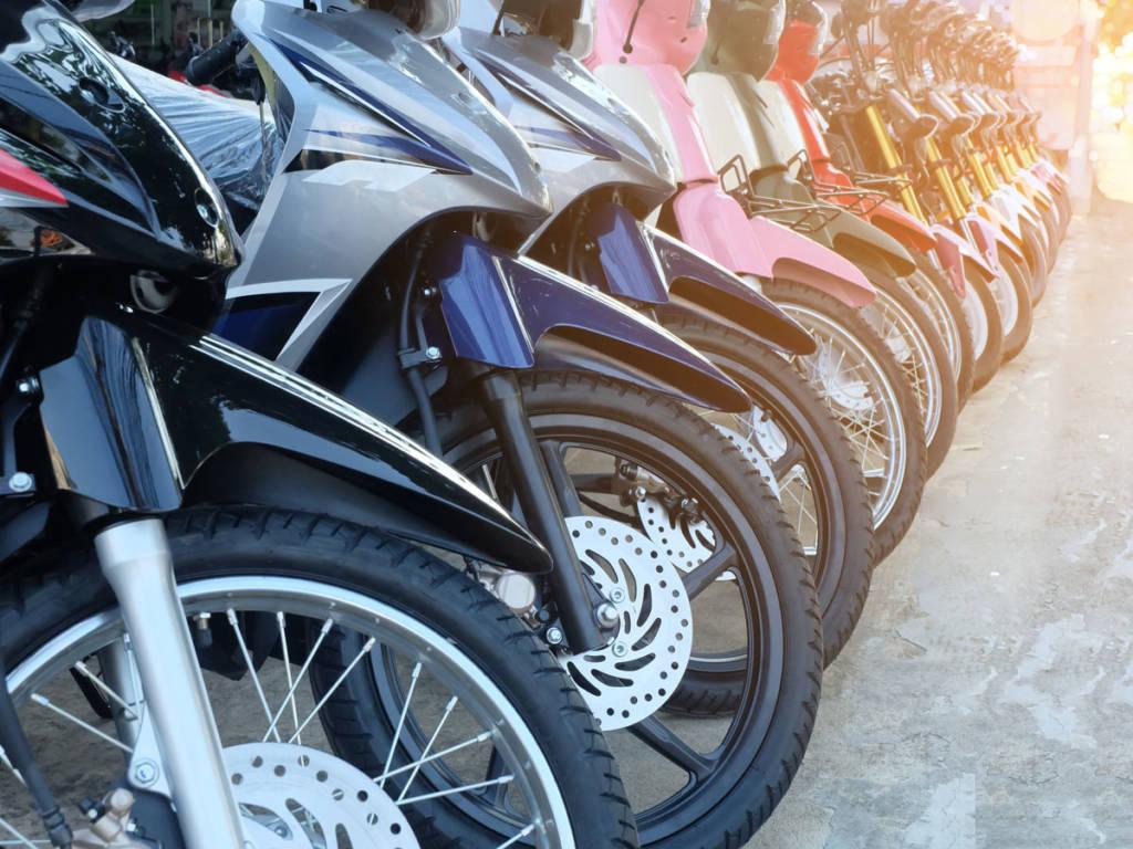 Las motos se vieron como una solución para descongestionar las ciudades, aunque son señaladas como causantes de accidentes