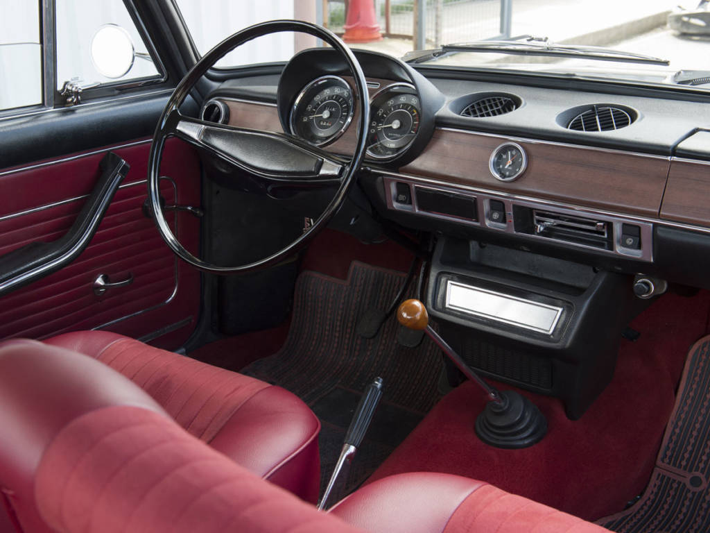 El SEAT 1430 llegaba con notables mejoras en comodidad y espacio
