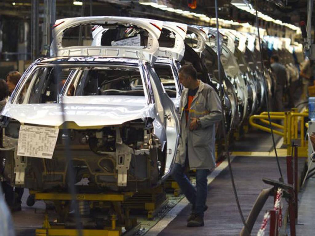 Hace un año los rumores apostaban por una salida de Mitsubishi del mercado europeo.